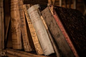 old-books-436498_1280 by jarmoluk - pixabay.com